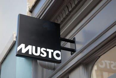 musto_brighton_sign
